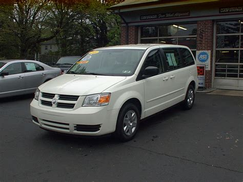 2010 dodge grand caravan overview cargurus 2010 dodge grand caravan pictures cargurus