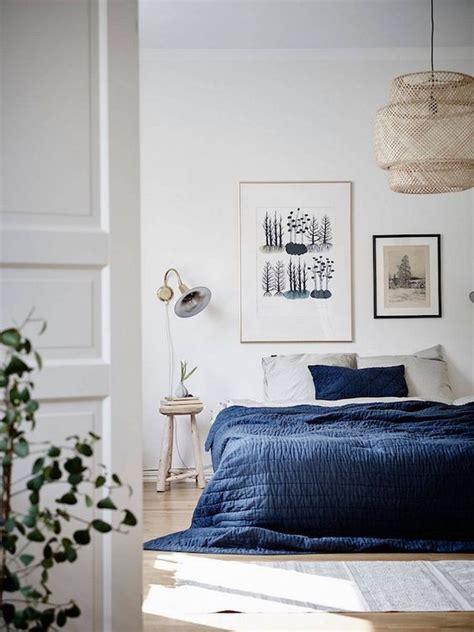 pinterest blue bedrooms best 25 navy bed ideas on pinterest transitional bed