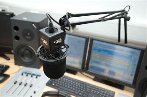 mark rowley fosse radio new radio station fosse 107 replaced oak 107 fm in