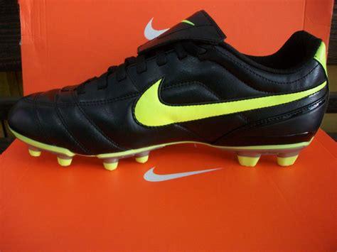 Sepatu Futsal Nike Tiempo Original Premium White Orange 39 44 Import nike tiempo ii fg sepatu bola sepatu futsal
