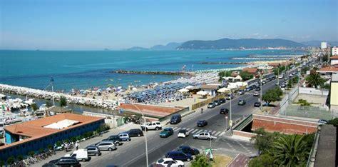 bagni marina di massa spiagge a marina di massa hotel giulia a marina di massa