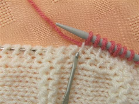 knitting increase at beginning of row how to increase and decrease evenly across a row the