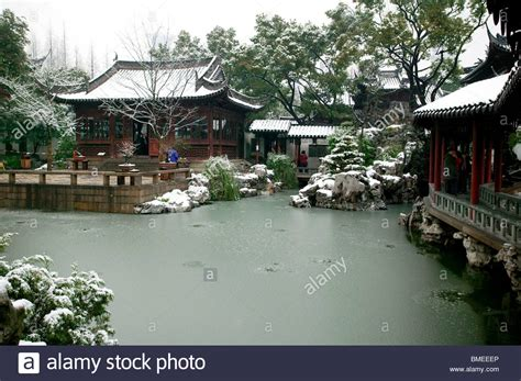 yuyuan garden yuyuan garden in winter shanghai china stock photo