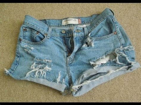 diy distressed shorts tutorial d i y distressed jean shorts easy