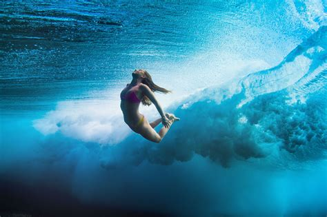 sexi dive wallpaper surfing duck dive sea underwater sport