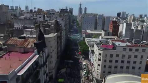 imagenes aereas impresionantes impresionantes imagenes aereas de la multitudinaria marcha