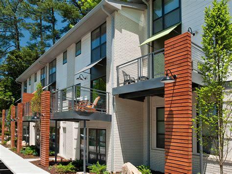 Pet Friendly Apartments Midtown Atlanta Ansley Forest Apartment Homes Midtown Atlanta Ga Pet