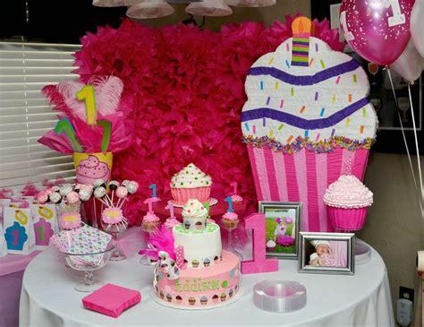 Cupcakes Birthday Quot Addison S 1st Cupcake Birthday Party Cupcake Centerpieces For Birthday