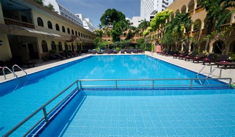 large pool roof top swimming pool hotel page 2 hotels accommodations in pattaya