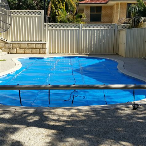 Solar Blanket Pool Cover by Pool Solar Blankets Covers And Rollers Perth