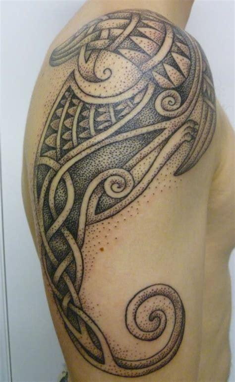 needles  sins tattoo blog artist profile  ricci