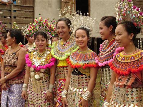 Kamoro Aspek Aspek Kebudayaan Asli pakaian melanau
