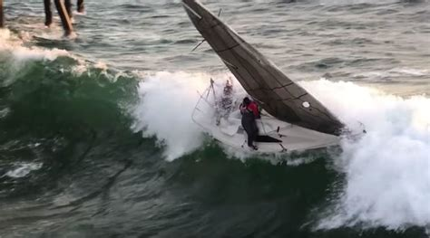 redondo beach boat crash into pier crew jumps ship seconds before sailboat capsizes smashes