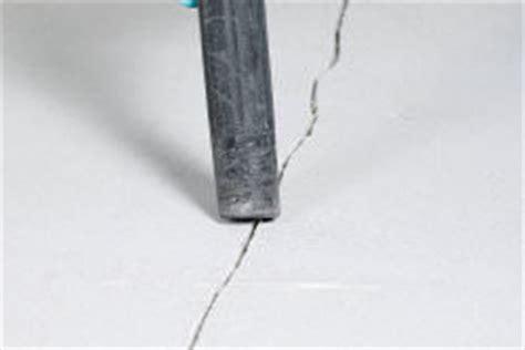 haarrisse im beton risse in betongaragen omicroner garagen