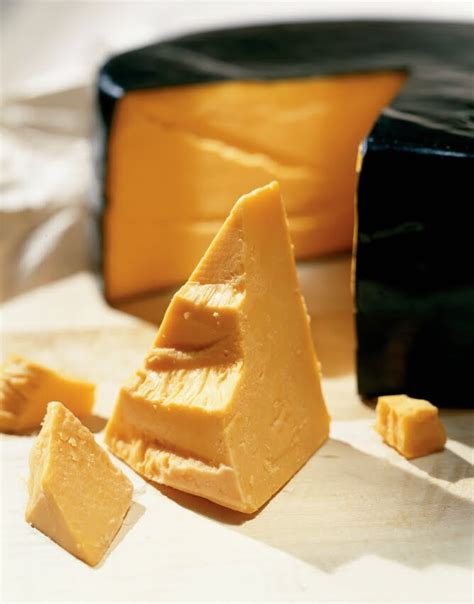 what color is cheddar cheese why is wisconsin cheddar orange cheese underground