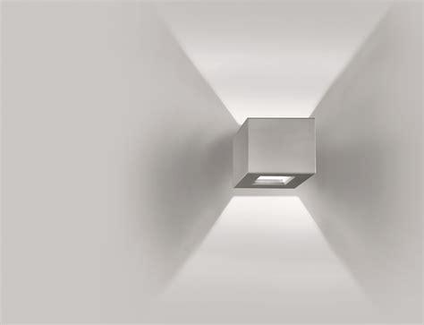 illuminazione parete led lada da parete a led in durcoral 174 nuss by buzzi buzzi