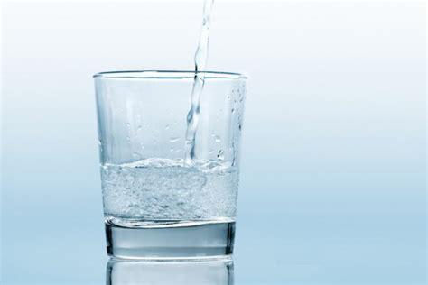 Bicchieri D Acqua Quanti Bicchieri D Acqua Al Giorno Per Bene L