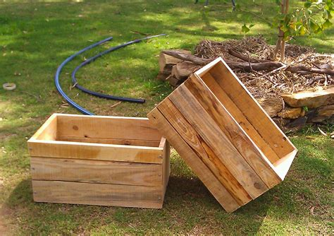 Simple Planter Box by Simple And Easy Diy Wood Planter Boxes Ideas