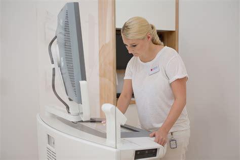 mammographie screening ab wann newsroom 187 abkl 228 rungsuntersuchung mammographie screening