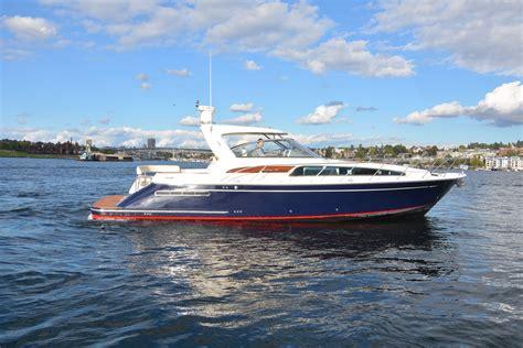 chris craft boats seattle 40 ft chris craft 2006 seattle denison yacht sales