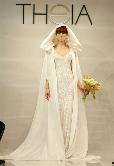 mind blowing bridal capes  winter   weddingelation