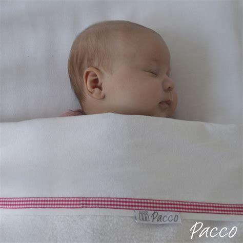baby weint im bett pucken onlineshop pucktuch kaufen pucken mit pacco