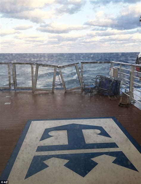 hurricane deck boat won t start royal caribbean passengers cheer as anthem of the seas