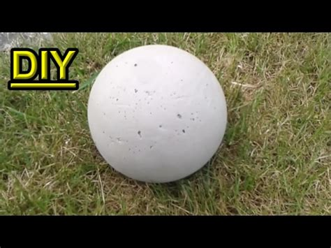 betonkugel im ball selber gie 223 en beton gartendeko selbst
