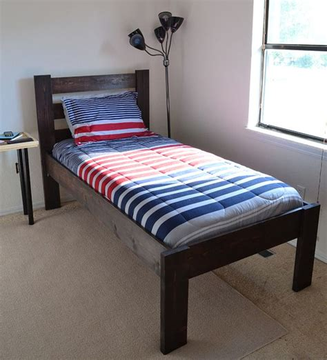 how to make a twin bed best 25 twin size beds ideas on pinterest sizes of beds