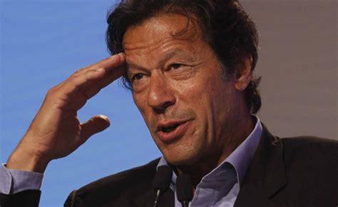 wasim akram double swing top 10 most popular pakistani people