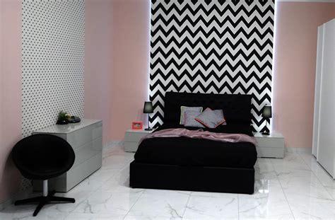 como decorar mi cuarto en blanco y negro motivos gr 225 ficos en el dormitorio con el blanco y negro