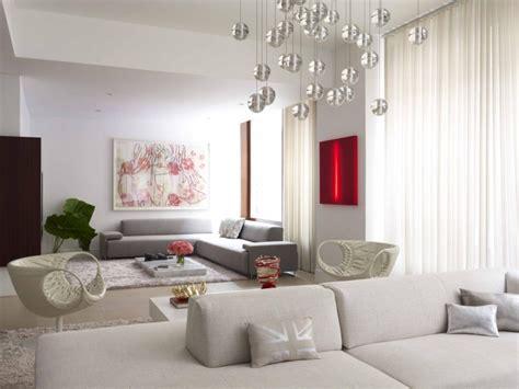 wohnzimmer deko mit skulpturen und kunstwerken 50 ideen