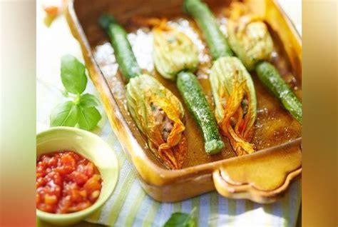 recettes de julie andrieu cuisine recette des fleurs de courgette farcies de julie andrieu