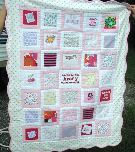 Custom Made Baby Quilts by Best 25 Baby Clothes Quilt Ideas On Baby Clothes Blanket Quilt With Baby Clothes