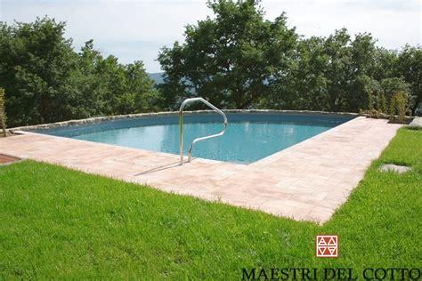 pavimento piscina pavimento piscina cotto umbro pavimento piscina giallo