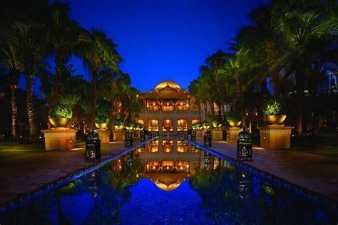 top  romantic hotels  dubai  couples  epitome