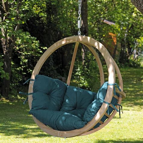 hang swing amazonas globo wooden hanging swing chair internet gardener