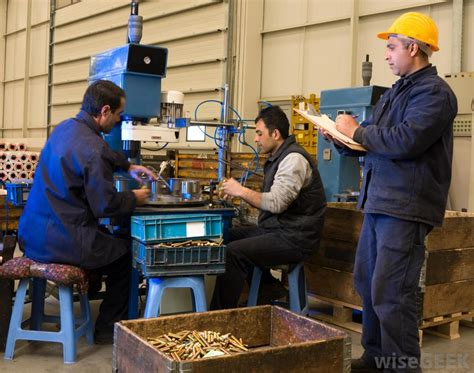 what does a fabricator do with pictures