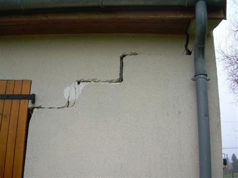crepe sul soffitto crepe nelle murature