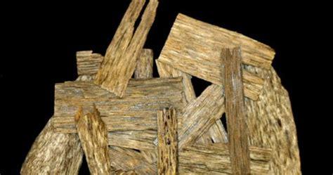 jimat judi dayak  kemenangan judi menjual kayu