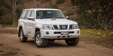 nissan patrol 2017 2016 nissan patrol st y61 review caradvice