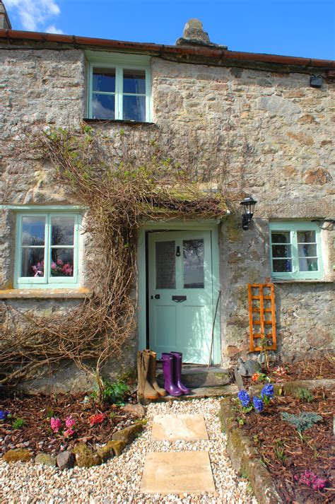 a cottage a joyful cottage a tour of pixie nook cottage in cornwall