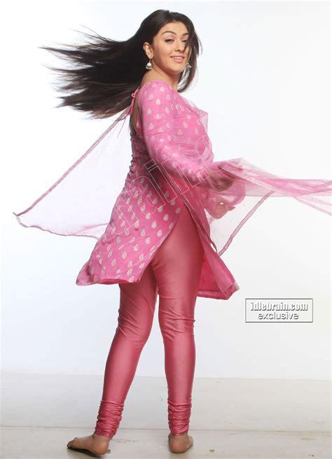sweet hansika motwani in pink    elakiri community