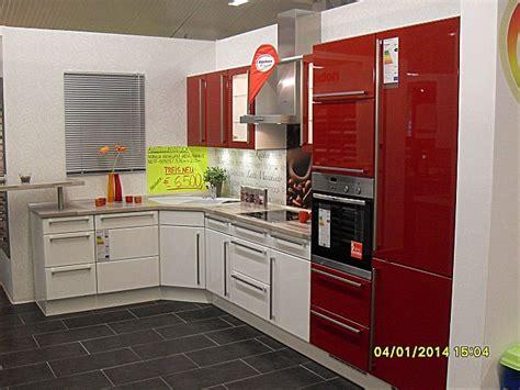 neue einbauküche schlafzimmer betten leder
