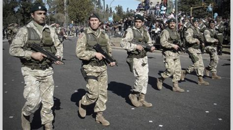 aumento salarial militares 2016 macri aumento para fuerzas armadas argentina militares 2016