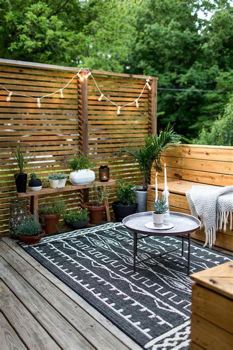 outdoor dekorationen terrassen ideen kleine terrasse h 246 lzerne m 246 bel sch 246 ne