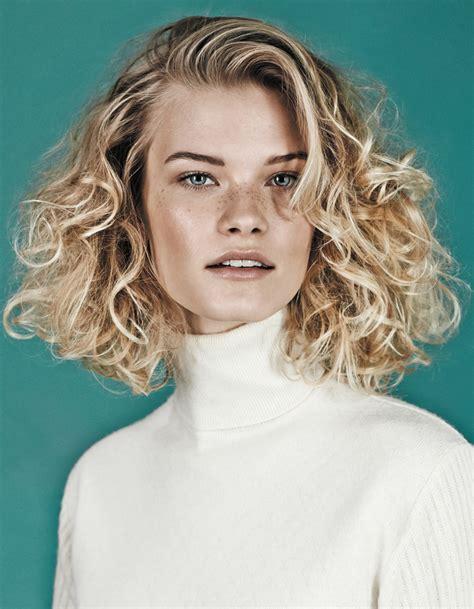 le carr 233 blond boucl 233 de haircoif coiffures de saison