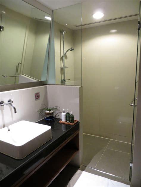 bangkok airport sleeping rooms thai airways royal orchid lounge bangkok review and photos