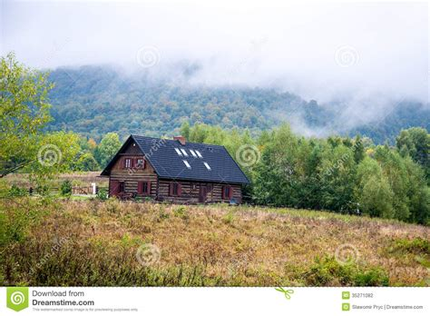 cottages in the mountains cottage in the mountains stock photography image 35271082