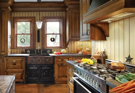Period Kitchen Design A Turn Of The Century Kitchen Features Modern Standards While Maintaining Its Original Period